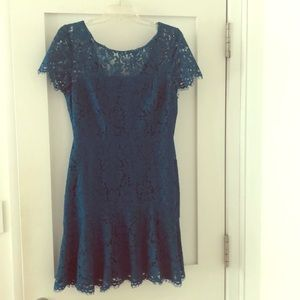 Diane Von Furstenburg lace dress. Size 6